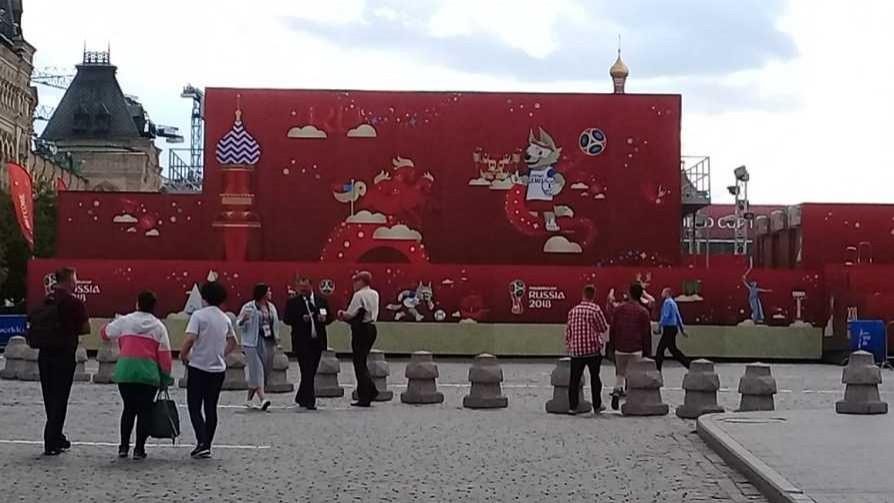 Darwin en la Plaza Roja: el plato volador de la FIFA y los 20 segundos con Lenin - Columna de Darwin - No Toquen Nada | DelSol 99.5 FM