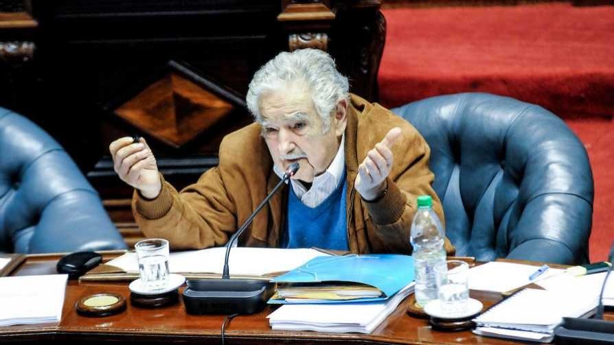 Mujica volvió por la puerta grande, con inconstitucionalidad y todo - Columna de Darwin - No Toquen Nada | DelSol 99.5 FM