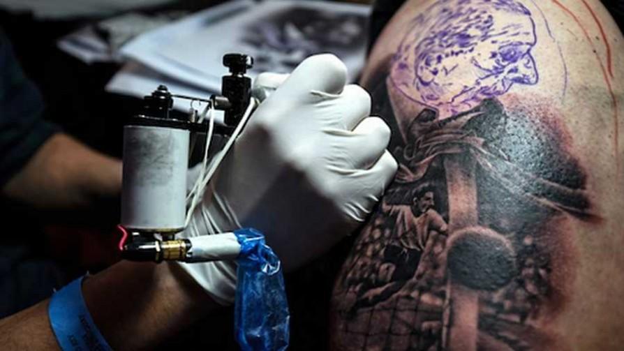 Tema libre: los tatuajes  - Sobremesa - La Mesa de los Galanes | DelSol 99.5 FM