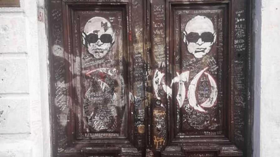 Luca vive (en una casa grafiteada) - Audios - Facil Desviarse | DelSol 99.5 FM