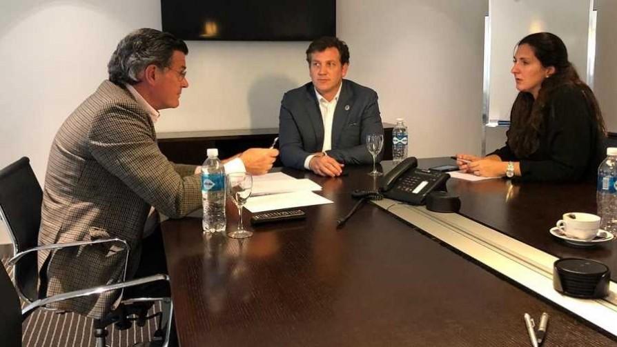 A Paraguay por el nuevo estatuto y la renovación de Tabárez - Diego Muñoz - No Toquen Nada | DelSol 99.5 FM