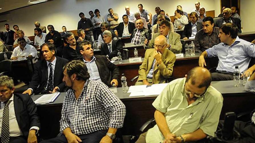 Fútbol uruguayo sin dirigentes, ¿mejor o peor?  - Deporgol - La Mesa de los Galanes | DelSol 99.5 FM