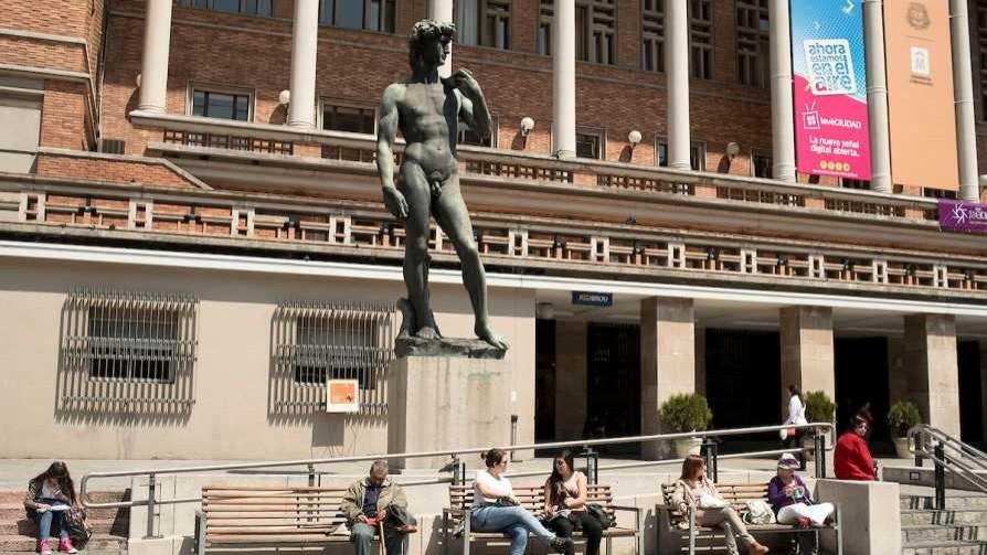 Darwin y la estatua de Tabárez de Martínez y el Eric - Columna de Darwin - No Toquen Nada | DelSol 99.5 FM