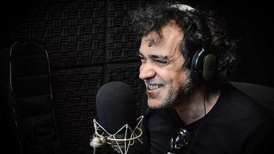 La realidad de Brasil inspiró la composición del nuevo disco de Paulinho Moska - Audios - La Mesa de los Galanes | DelSol 99.5 FM