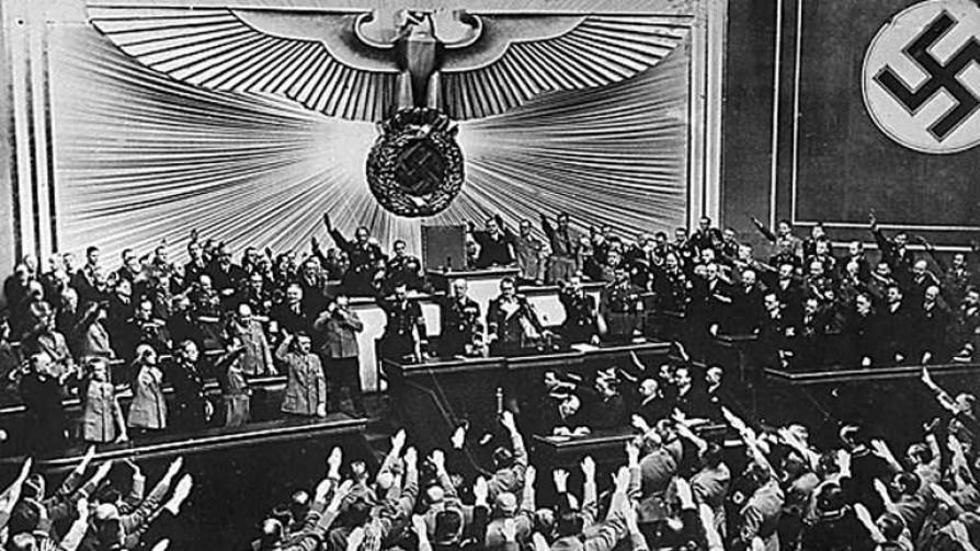 Los nazis más de izquierda - La historia en anecdotas - Facil Desviarse | DelSol 99.5 FM