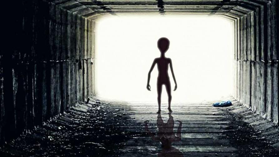 El estado uruguayo está preparado para recibir OVNIS - Las Kosak en su sitio  - Pueblo Fantasma | DelSol 99.5 FM