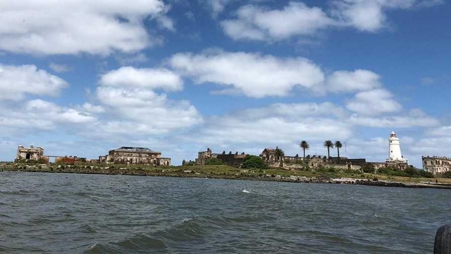 La Isla de Flores, nuestra visita y su historia - Cambalache - La Mesa de los Galanes | DelSol 99.5 FM