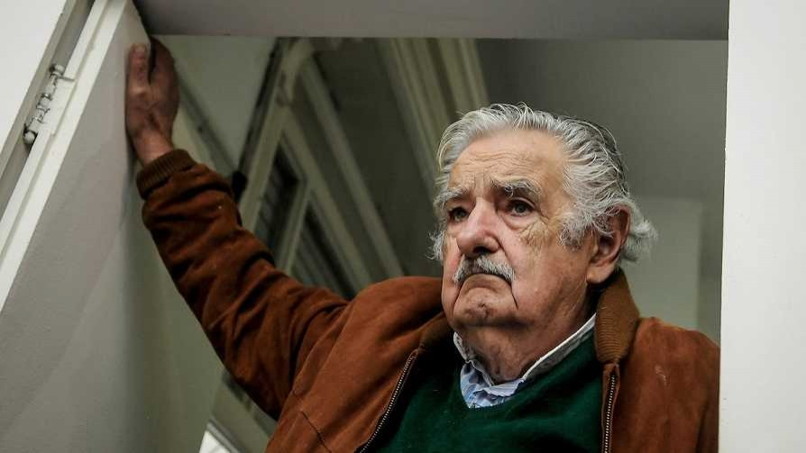 Darwin y la virtud de Mujica: épica y absurdo al unísono - Columna de Darwin - No Toquen Nada | DelSol 99.5 FM