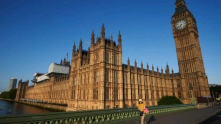 "El ""Profe"" Piñeyrúa por las calles de Londres, parte 2 - Informes - 13a0 | DelSol 99.5 FM"