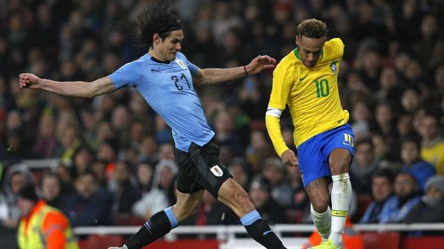 Cavani, Neymar y la técnica de susurro de Darwin - Darwin - Columna Deportiva - No Toquen Nada | DelSol 99.5 FM
