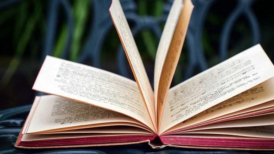 Libros y música para combatir la melancolía - El guardian de los libros - Facil Desviarse | DelSol 99.5 FM
