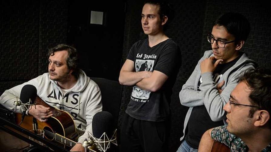 Una banda tributo a The Beatles - Audios - La Mesa de los Galanes | DelSol 99.5 FM