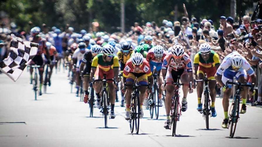 Rutas de América o Vuelta Ciclista, ¿cuál tiene el mejor tema? - Sobremesa - La Mesa de los Galanes | DelSol 99.5 FM
