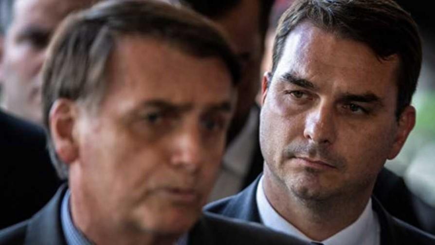 Denuncia de corrupción al chofer del hijo de Bolsonaro  - Cambalache - La Mesa de los Galanes | DelSol 99.5 FM