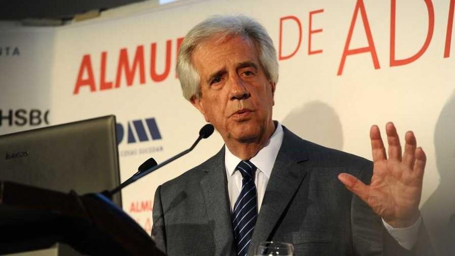 Vázquez muy optimista sobre economía, UPM y déficit fiscal - Informes - No Toquen Nada | DelSol 99.5 FM