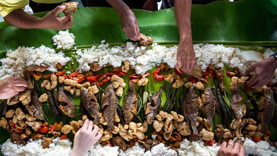 El tacto y el placer de comer con las manos - La Receta Dispersa - Quién te Dice | DelSol 99.5 FM