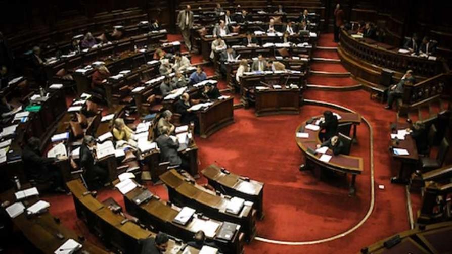 El cruce entre diputados por la ley de financiamiento y la versión zombie de Artigas - NTN Concentrado - No Toquen Nada | DelSol 99.5 FM
