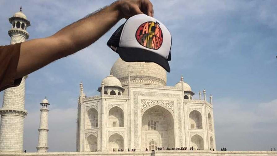De acá a la India - Informes - Facil Desviarse | DelSol 99.5 FM
