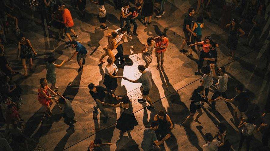 El elogio al baile y la condena a los canallas que te arrastran a la pista - Ines Bortagaray - No Toquen Nada | DelSol 99.5 FM