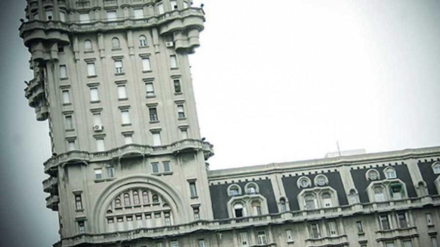El Palacio Salvo en cinco nombres - Audios - La Mesa de los Galanes | DelSol 99.5 FM