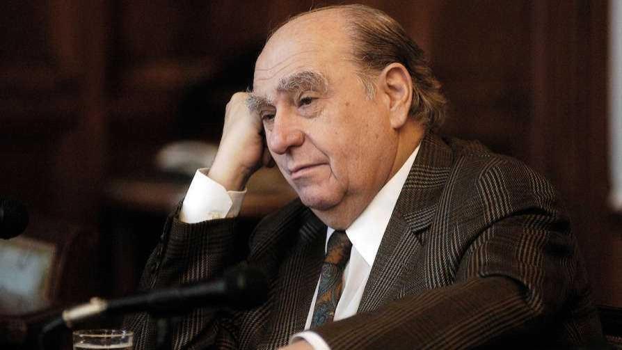 Sanguinetti se entera, en un minuto, de que lo apoya un ex vicepresidente de Alas U - MinutoNTN - No Toquen Nada | DelSol 99.5 FM