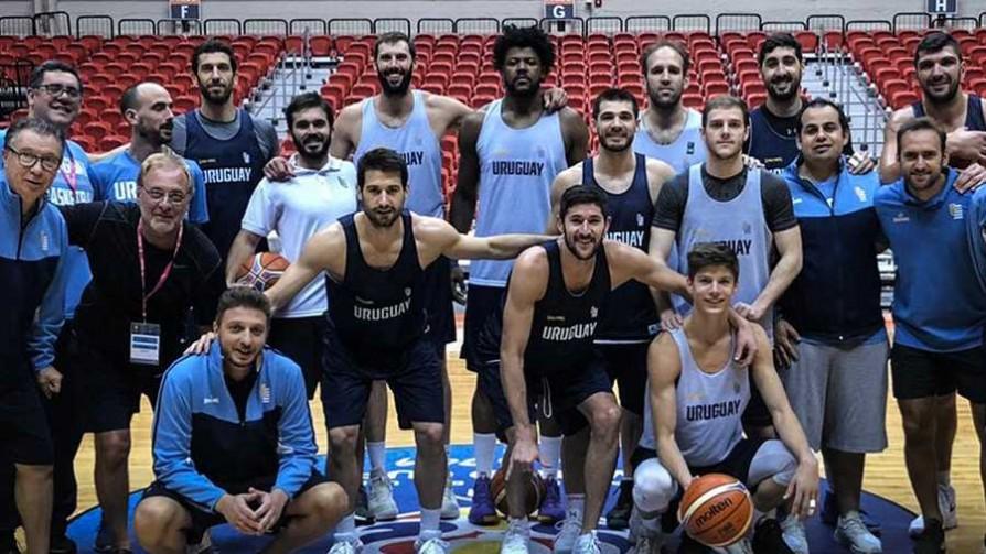 Se terminó el sueño mundialista para la Selección Uruguaya de Básquetbol  - Titulares y suplentes - La Mesa de los Galanes | DelSol 99.5 FM