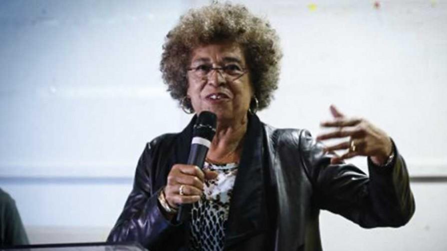 La activista Angela Davis en Uruguay - Titulares y suplentes - La Mesa de los Galanes | DelSol 99.5 FM