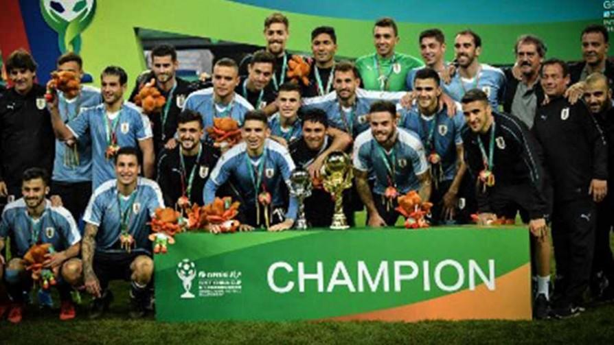 Uruguay campeón de la China Cup 2019 - Titulares y suplentes - La Mesa de los Galanes | DelSol 99.5 FM