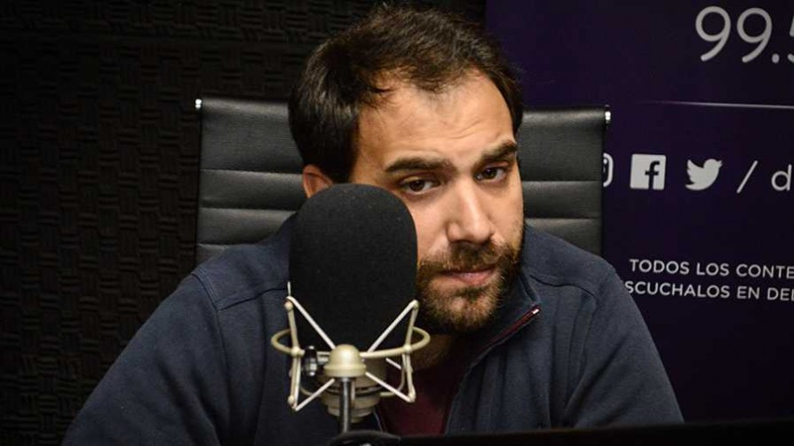 ¿A qué filósofo se parece Daniel Martínez? - Zona ludica - Facil Desviarse   DelSol 99.5 FM