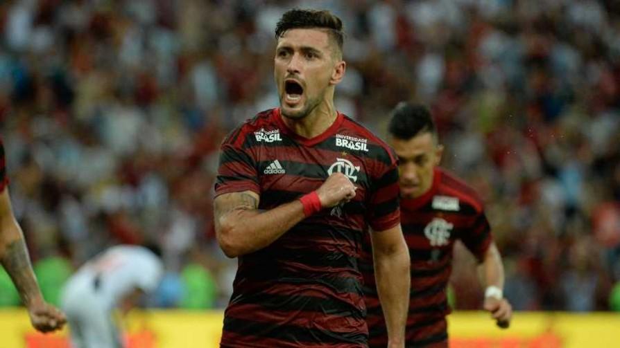 Giorgian: Ídolo en Flamengo, fanático de Peñarol y récord en Brasil - Informes - 13a0 | DelSol 99.5 FM