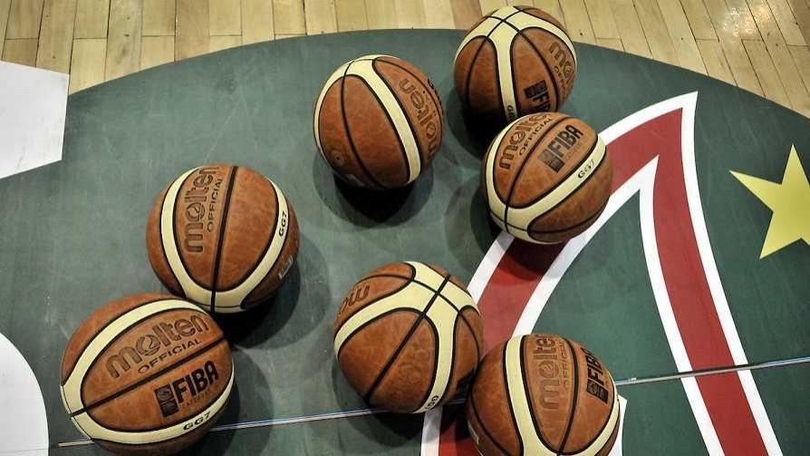 Los tomawhisky pararon el basket y la euforia desmedida de los hinchas de Peñarol - Darwin - Columna Deportiva - No Toquen Nada | DelSol 99.5 FM